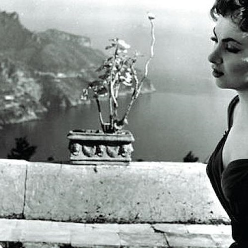 «Beat the devil», nel 1953 Gina Lollobrigida girò a Ravello il film che le spalancò le porte di Hollywood